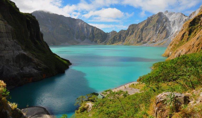 Il lago più limpido del mondo, dove non vi immergereste mai non appena leggerete il motivo!